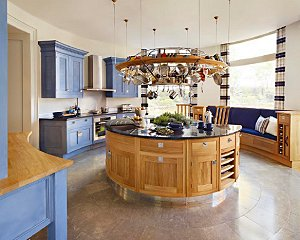 The Smallbone handpainted kitchen updated.