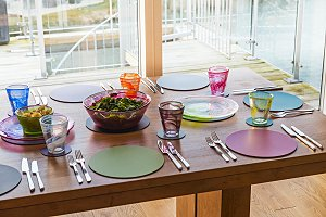 Bright Tableware From iapetus