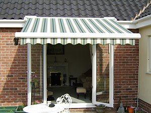 Cool Summer Trend – Stripy Awnings