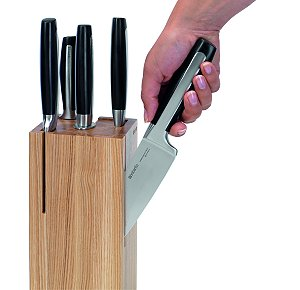New Knife Block Complements Babantia's Knife Set