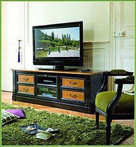 Accentuate Grange Classics With Vibrant Spring Green