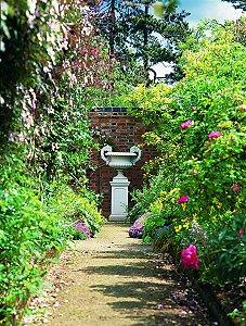Haddonstone Opens Show Gardens For National Garden Scheme.