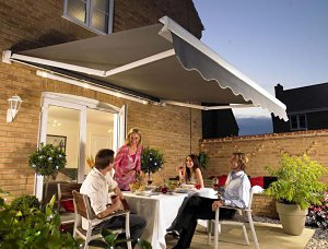 Hillarys Blinds All Year Space For Outdoor Entertaining
