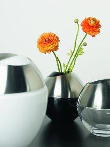 Versatile Handmade Vases From Mono