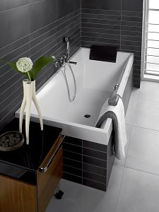 the squaro bath from villeroy boch has been made to perfectly. Black Bedroom Furniture Sets. Home Design Ideas
